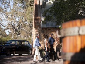 Barossa Daimler Tours - Winery Find