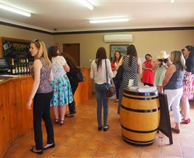 Tour Mudgee Now and Then - Winery Find